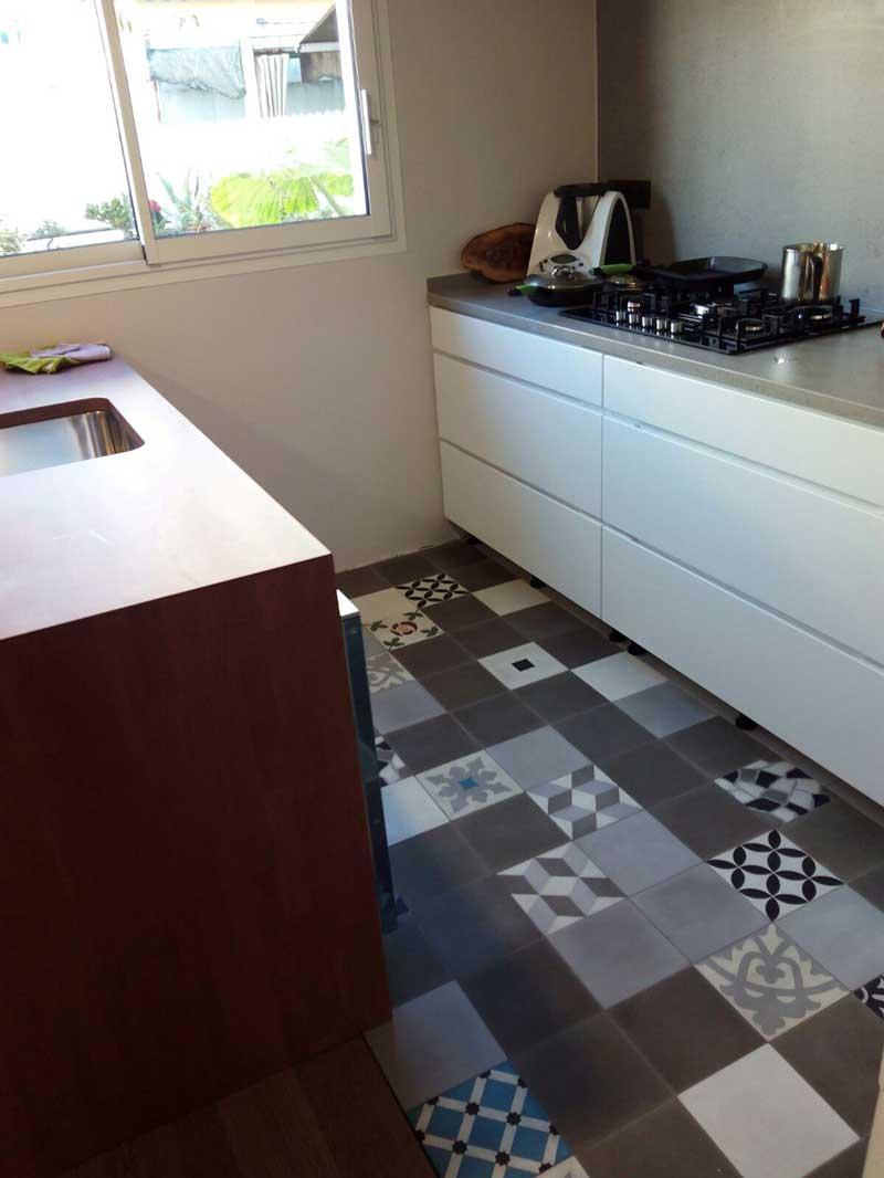 03. Cocina con patchwork - Tendencias para cocinas que brillan este 2021